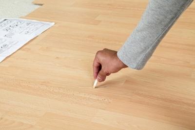 Как удалить мелкие царапины с ламината