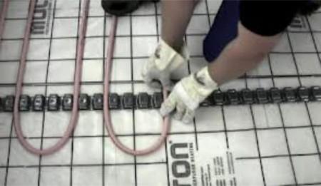 Как закрепить трубы водяного теплого пола