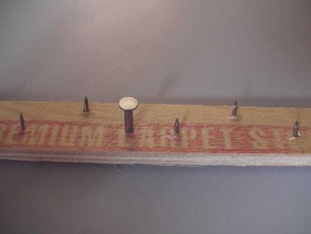 Укладка ковролина методом стрейчинг