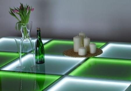 Интенсивность подсветки можно регулировать