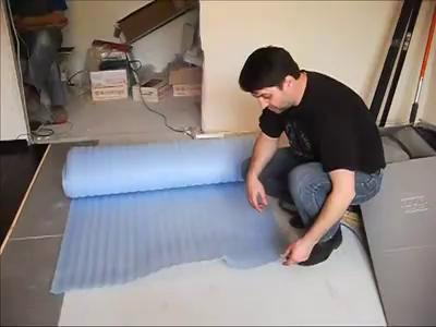 склеивание подложки под ламинат