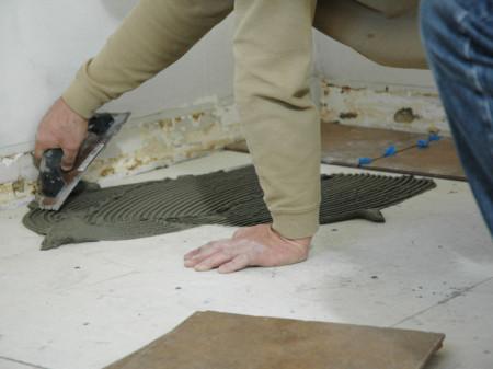 Плитку на деревянное основание